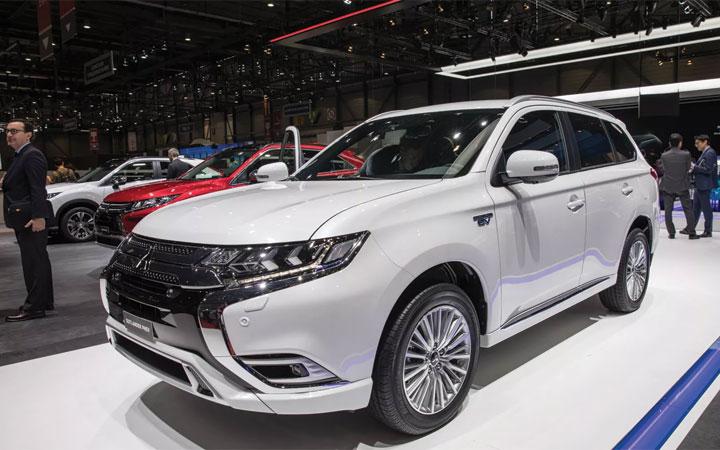 Экстерьер Mitsubishi Outlander 2019 года