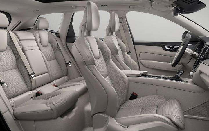 Интерьер Volvo ХС40 2018-2019