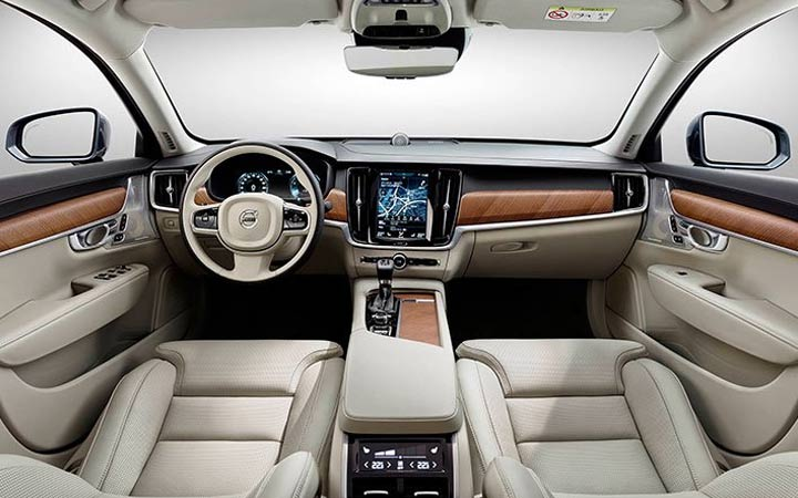 The interior of the Volvo XC60 2018-2019