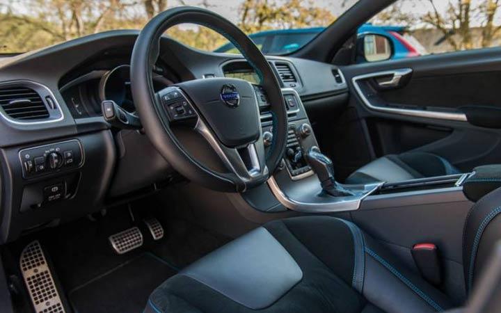 Интерьер Volvo S60 2018-2019