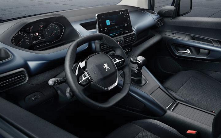 Интерьер Peugeot Rifter 2018-2019