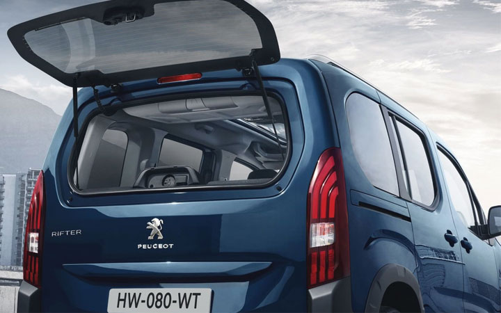 Рестайлинговый Peugeot Rifter 2018-2019