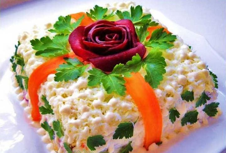 """Новогодний салат """"Подарок"""""""