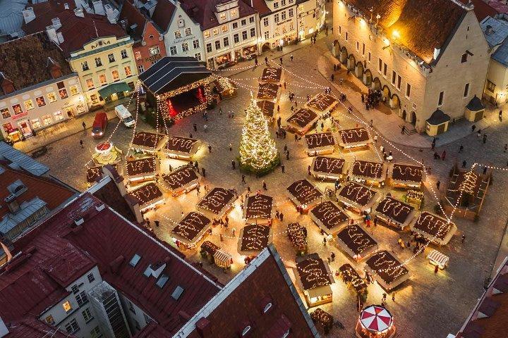 главная площадь Таллина на Новый год