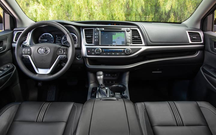 Интерьер Toyota Highlander 2019