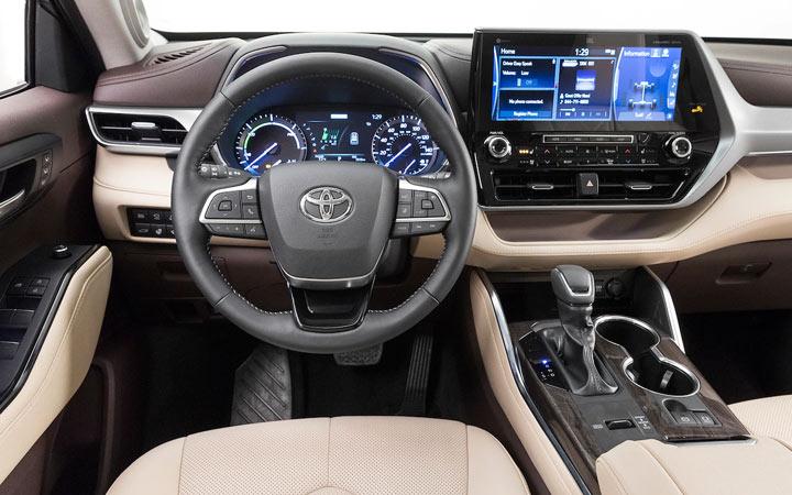 Интерьер Toyota Highlander 2019 года