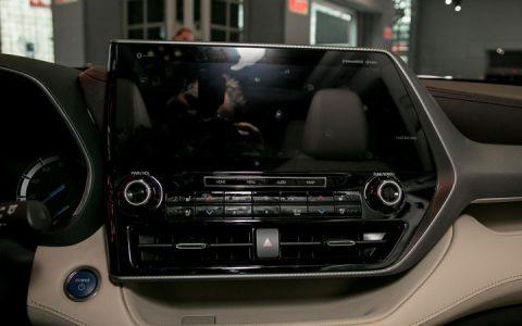 Монитор Toyota Highlander 2019 года
