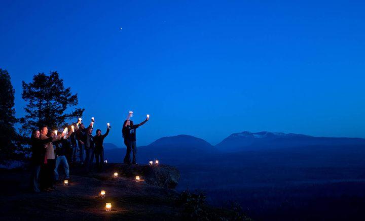 Участники акции Час Земли
