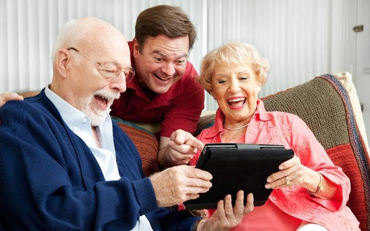 Подарок дедушке на Новый 2019 год: что подарить, варианты рекомендации