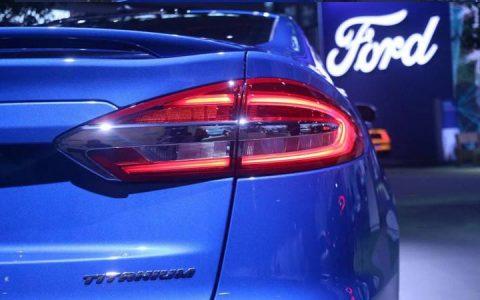 Задний фонарь Ford Mondeo 2018-2019