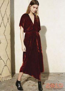 Красное бархатное платье 2019 года