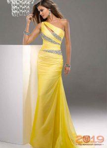 Желтое вечернее платье зима 2018-2019