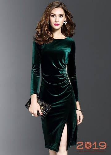 ff1dcd36c08 Бархатное зеленое платье на Новый Год 2019
