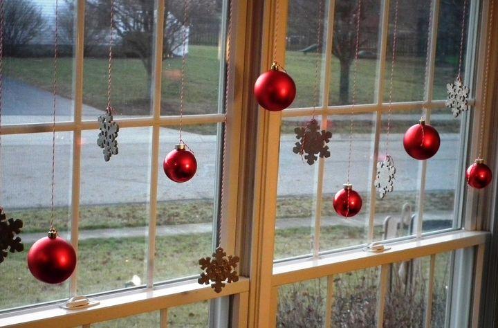 Оформление окна шариками