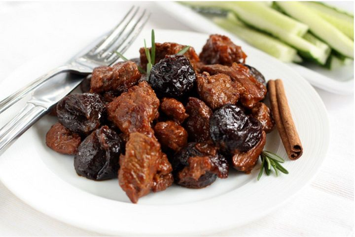 Braised beef with mushrooms and prunes
