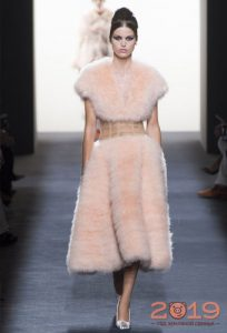 Платье из меха Armani Prive осень-зима 2018-2019