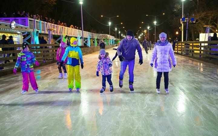 Цены и график работы ледовой площадки в парке Горького на 2019 год