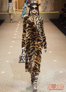 Тигровый принт Dolce & Gabbana зима 2018-2019