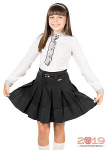 Skirt - an important element of the image of a young lady