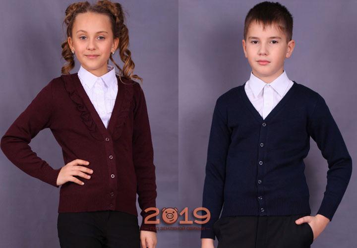 Модные вязаные жакеты - модели школьной формы
