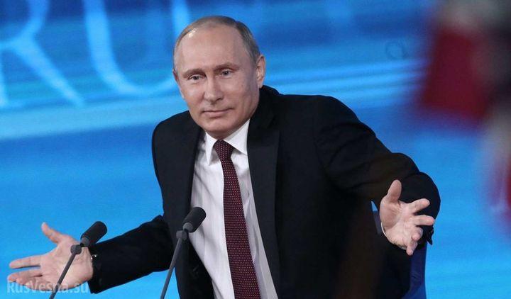 Владимир Путин разводит руками