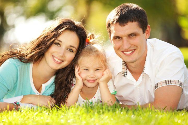 Папа, мама и дочь