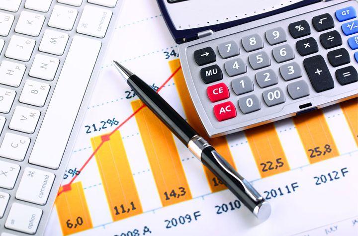 Калькулятор, ручка и график