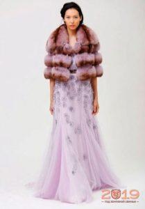 Вечернее платье и меховая шубка