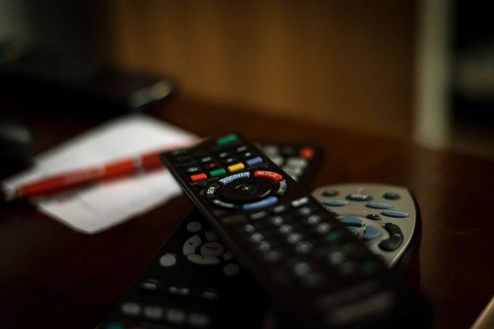 Пульты управления к телевизору