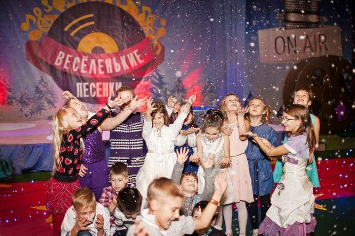 Новогодняя дискотека на киностудии ЛенДок