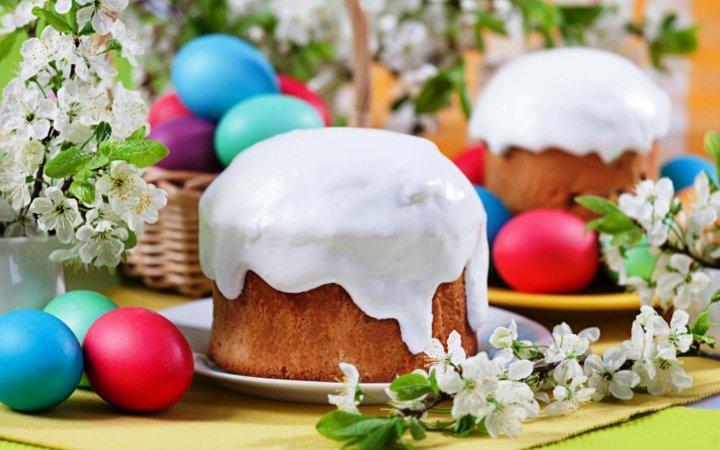 пасха с крашеными яйцами