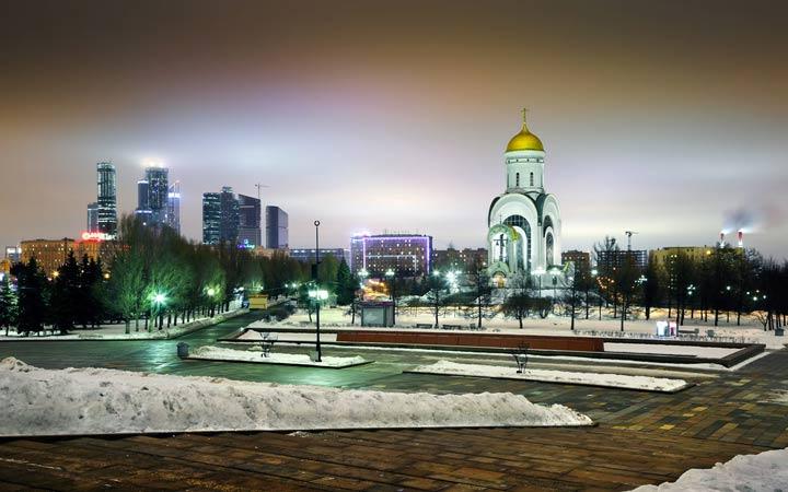 Парк Победы в новогоднюю ночь
