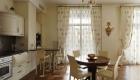 Кухонные шторы в нежных оттенках