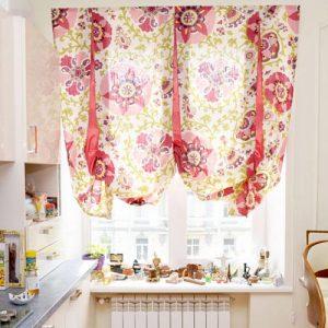 Необычная штора для кухни