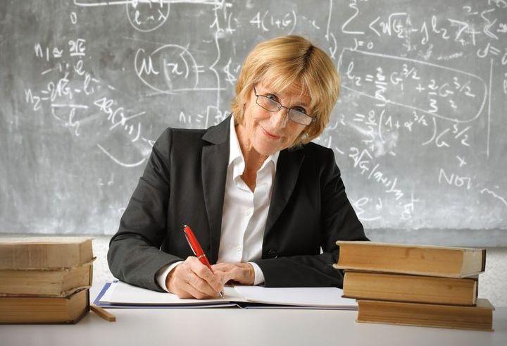 Учитель за работой