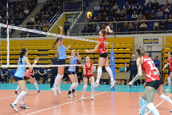 Чемпиона России по волейболу среди женщин