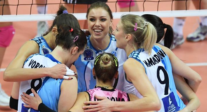 Женская команда Динамо Казань
