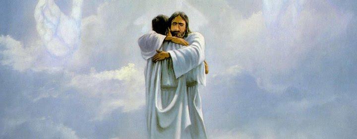 обнимаются мужчины