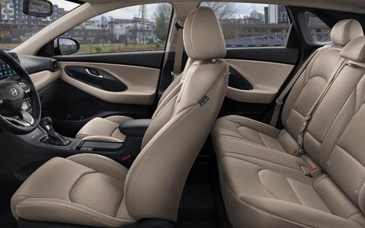 Салон нового Hyundai Elantra 2019