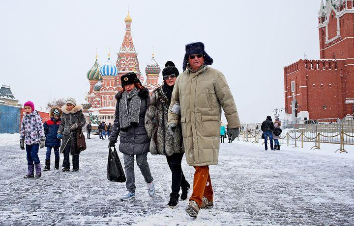 Москвичи на Красной площади зимой