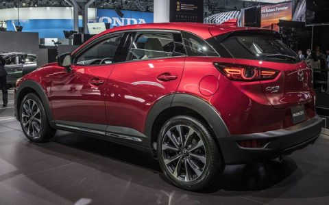 Задний бампер новой Mazda СХ-3 2019