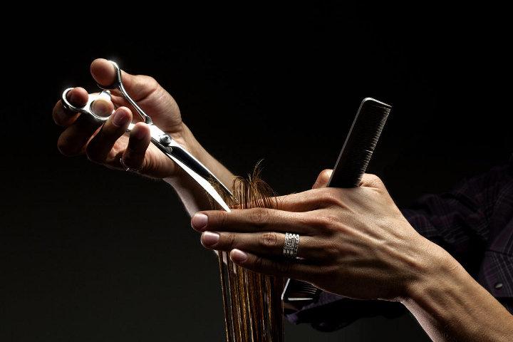 подравнивание кончиков волос