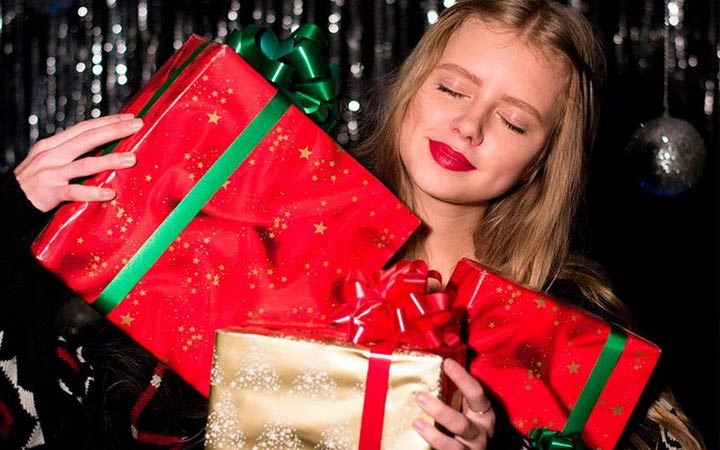 Интересные идеи подарков для девушки на Новый 2019 год