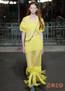 Платье в крупную сетку - тренд 2019 года