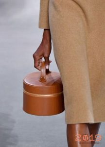 Сумка шляпная коробка весна-лето 2019