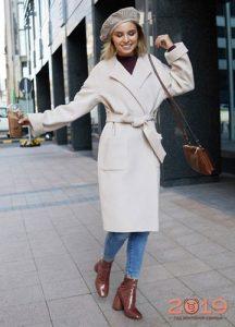 Модные оттенки женских пальто весна 2019 года