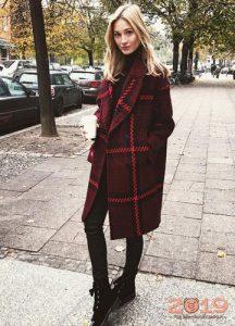 Модная клетка - пальто на весну 2019 года