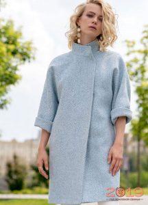 Модное пальто с коротким рукавом на весну 2019 года