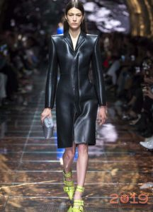 Пальто из кожи мода 2019 года