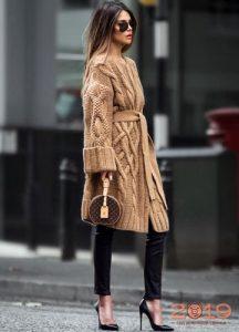 Модное вязаное пальто весна 2019